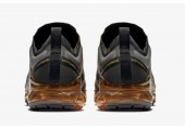 Кроссовки Nike Air VaporMax 2019  Black/Metallic Gold/Black - Фото 2