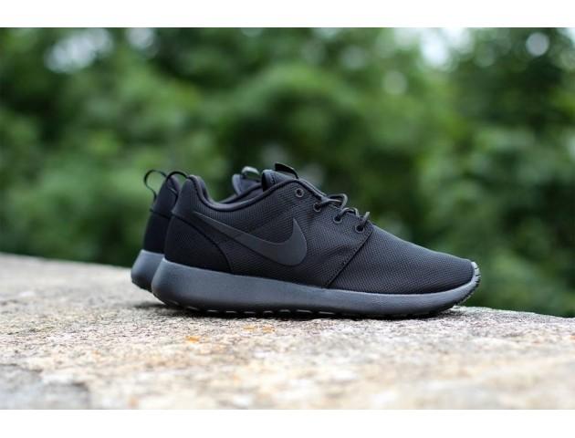 Кроссовки Nike Roshe Run Triple Black