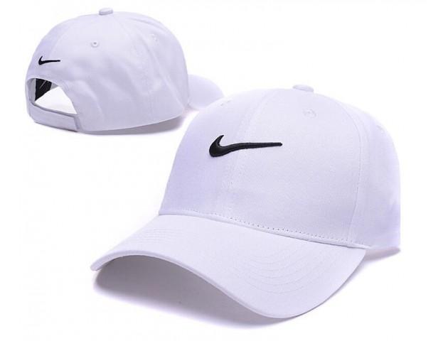 Кепка Nike Classic White
