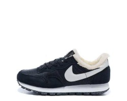 Кроссовки Nike Internationalist Black/Milk White С МЕХОМ С МЕХОМ
