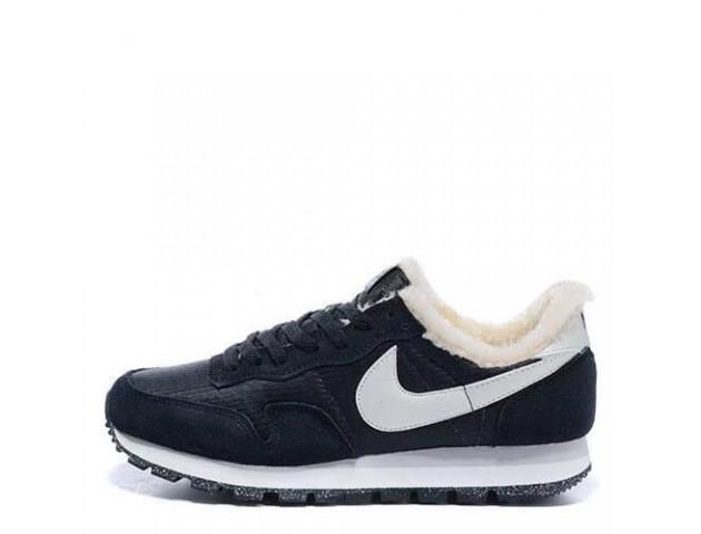 Кроссовки Nike Internationalist Black/Milk White С МЕХОМ С МЕХОМ