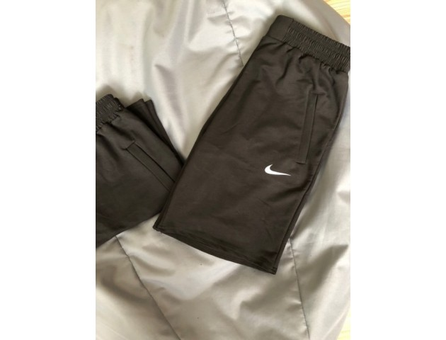 Мужские чёрные шорты Nike