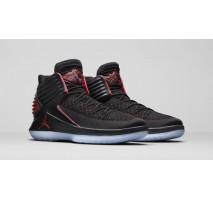 Баскетбольные кроссовки Air Jordan XXXII Black/Red Univercity