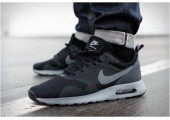 Кроссовки Nike Air Max Tavas Black/Cool Grey - Фото 1