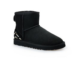 UGG CLASSIC MINI II BOOT BLACK ORNAMENT