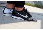 Кроссовки Nike Flyknit Racer Black/White - Фото 3